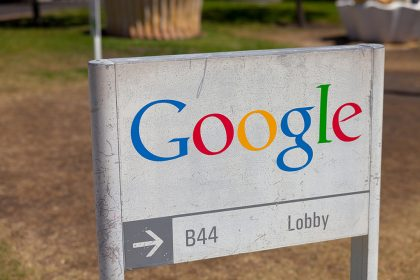GOOGL Stock Up 1% in Pre-market, Google Accelerating Partial Reopening of Offices